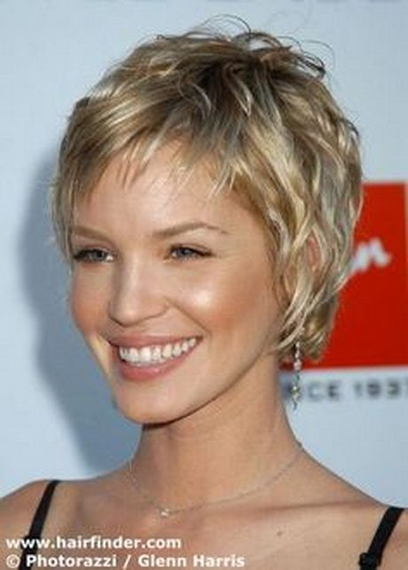 Short Haircuts For Women Over 60 With Thick Hair 48