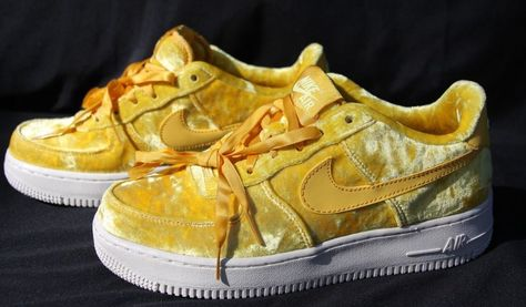 Nike Air Force 1 Low Yellow Velvet 849345 700 Youth size 6.5