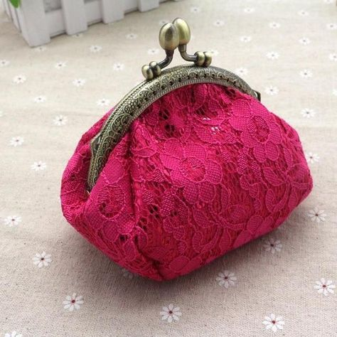 Dollar Price 2017 Retro Women Wallets Lady Vintage Lace Small Wallet Hasp Purse Lady Clutch Bag Purse For Coins carteras mujer
