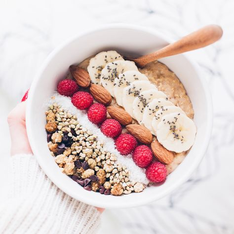 Porridge      50g de flocons d'avoine     100ml de lait de soja vanille     200ml d'eau     (miel pour ceux qui souhaitent un goût plus sucré)     Cannelle