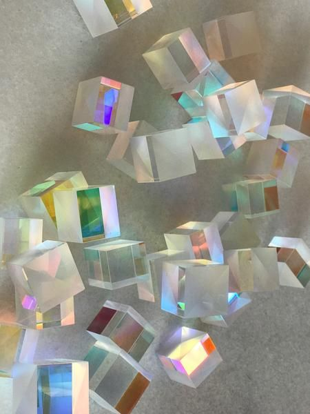 Live your unicorn prismatic fantasy with these beautiful dichroic glass cubes.