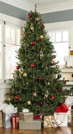 Pre Lit With 450 700 Or 1 000 Ul Listed Incandescent Lights This Beautiful Holiday Amazing Christmas Trees Christmas Door Wreaths Christmas Tree Decorations