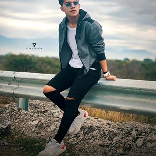 Riyaz Aly Riyaz 14 Instagram Photos And Videos In 2020 Best Poses For Men Photo Poses For Boy Photoshoot Pose Boy