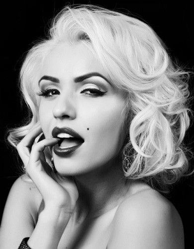 Wear Retro Curls - Platinum Blonde Inspiration: Easy Styling Ideas To Try This Summer - Photos