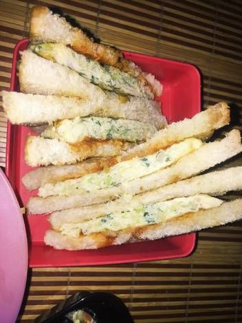 Resep Sandwich Isi Telur Kol Inspired By Korean Cabbage Toast Oleh Husna Fitri Recipe Korean Cabbage Recipes Sandwiches