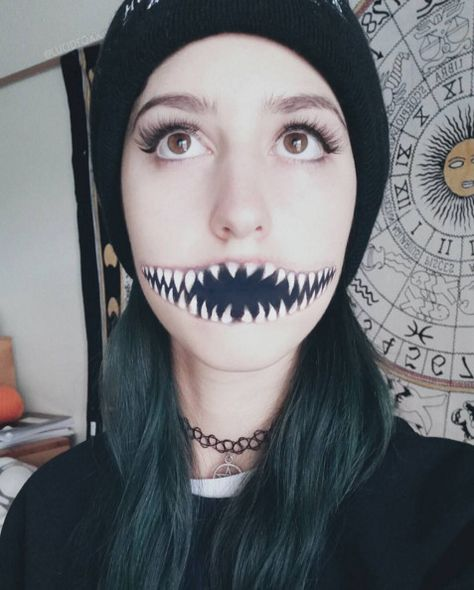Monster Mouth - The Most Hauntingly Gorgeous Halloween Makeup Looks on Instagram - Photos
