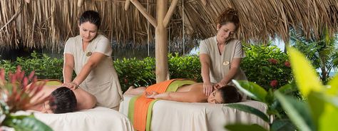 Heliconia Spa ofrece una variedad de experiencias: masajes, exfoliantes y envolturas corporales, como también tratamientos faciales