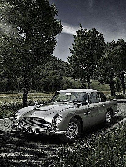 Classic Cars Vintage Aston Martin Classicsportscarsbritishastonmartin Rareclassiccarsastonmartin Aston Martin Db5 Aston Martin Db5