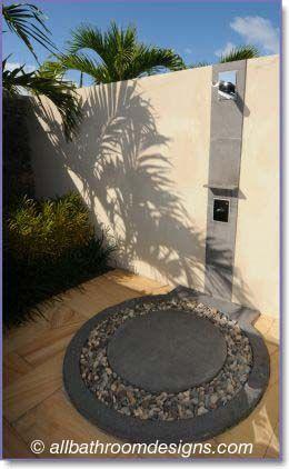 Outdoor Shower Ideas Hier Passt Die Duschsaule Der Solardusche Kuba Perfekt Ins Bild Solardusche Kuba 2020 Arka Bahceler Dogadaki Etkinlikler Bahce Tasarimi