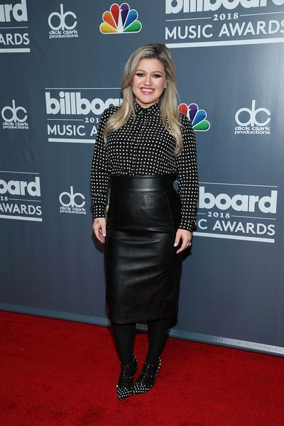 2018 Billboard Music Awards host Kelly Clarkson attends a photo call at Universal Studios Hollywood.