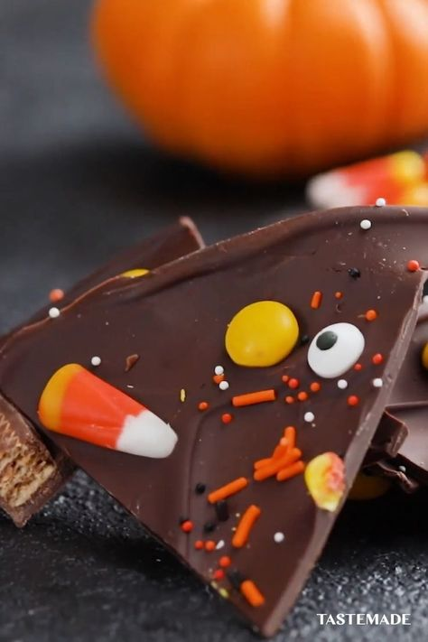 Your holiday party plans now include eyeball bites, candy bark, graveyard cookies, vampire teeth cookies and hours of your favorite Halloween movies, series  more during #Hallowstream on #DisneyPlus. Your guests can thank us later. #ad