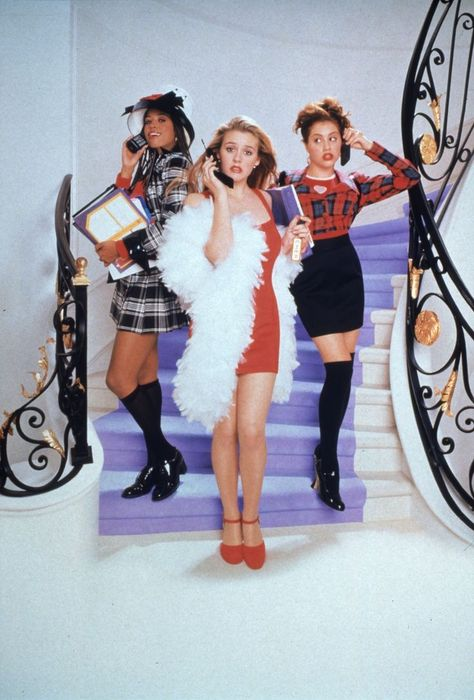3 Clueless Halloween Costumes That Cher Horowitz Would Approve Of ahnungslos cher alaia party outfit Throwback Outfits, Clueless Outfits, Clueless Fashion, 90s Fashion, Clueless 1995, Fashion Movies, Cher From Clueless, Rock Fashion, Mean Girls