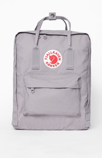 FJALLRAVEN presents a classic look that has been well loved for decades with the Kanken Backpack. This women's backpack features a water-resistant, vinylon construction with a main compartment and front zip pocket.