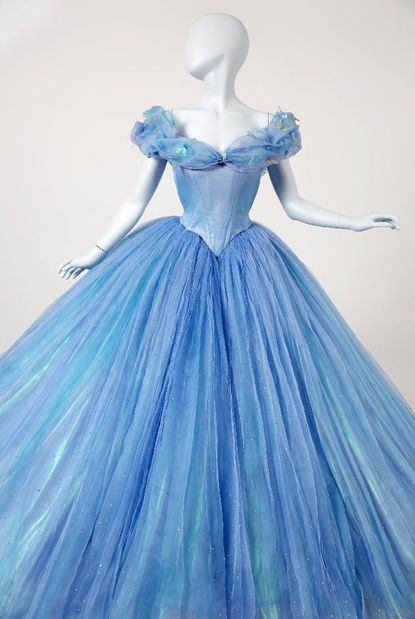 Emma Watson's 'Beauty and the Beast' gown and Cinderella's dresses on display at Disney's Expo - Los Angeles Times Cinderella Dresses, Disney Princess Dresses, Disney Dresses, Cinderella Cosplay, Aladdin Princess, Disney Princess Costumes, Princess Aurora, Princess Bubblegum, Quince Dresses