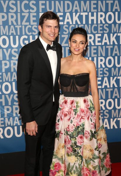 Actors Ashton Kutcher and Mila Kunis attend the 2018 Breakthrough Prize at NASA Ames Research Center.