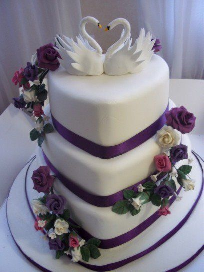 Elegant Heart Shaped Wedding Cake