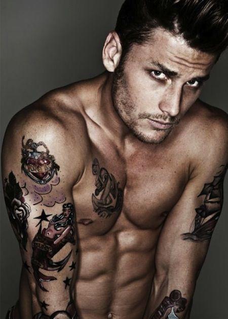 hot tattooed men.. ;)