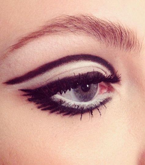 @Lotstar is our new favorite makeup artist.