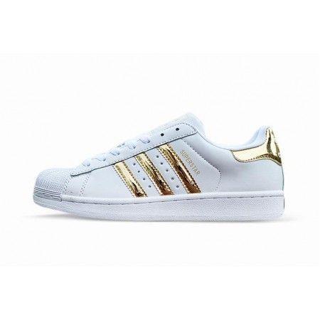 Frau Adidas Superstar Gold Weiss Adidassuperstar Adidas Superstar Adidas Sneakers Adidas Superstar Sneaker