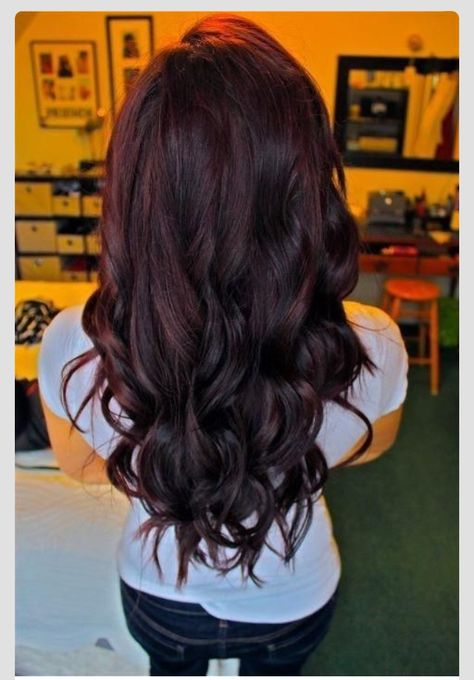 Cherry coke red hair color! I love the subtlety of the red.