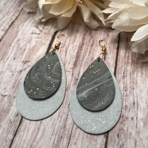 Excited to share this item from my shop: Gray and white glittery teardrop earrings, gray marble earrings, polymer clay teardrop earrings, gift for her Diy Clay Earrings, Polymer Clay Necklace, Polymer Clay Pendant, Polymer Clay Charms, Diy Teardrop Earrings, Polymer Beads, Polymer Clay Ornaments, Cute Polymer Clay, Polymer Clay Flowers
