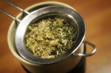 Make Your Own Glorious Herbal Hair Rinse: Herbal hair rinse from dried herbs