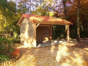 Preau Bois Traite 2 Pentes 350x500 Fermeture Sur 2 Cotes Tuile Construction Bois Amenagement Jardin Appenti Bois