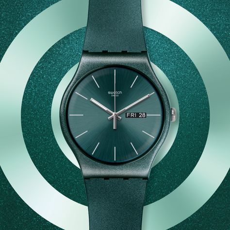 Metallify your style with this ocean green design of pure silicone reinterpretation. The shiniest of the shiniest in the Worldhood collection are here to surprise the eye and give your wrist that special sparkle. Shine bright like a … metal?