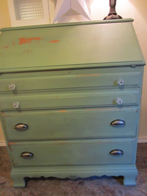 I painted my craigslist desk with Miss Mustard Seed Luckett Green.  Very happy with it!