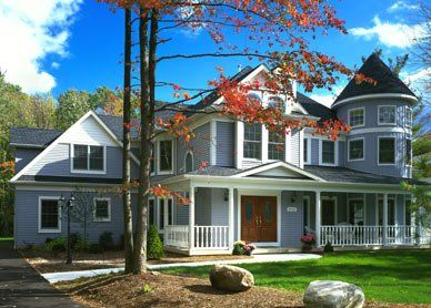 I Think That The Vinyl Siding On This House Is Very Well Put On I Feel That It Would Be Hard To P Vinyl Siding Vinyl Exterior Siding Vinyl Siding Installation