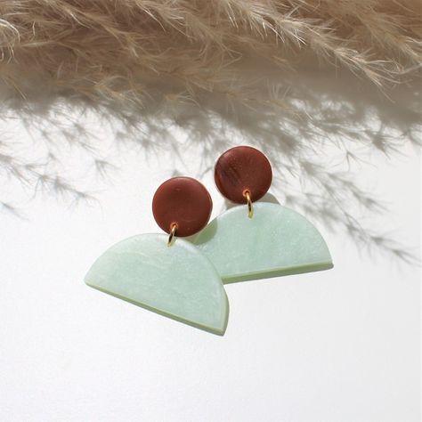 Half-moon earrings, caramel and mint green, Geometric and minimalist jewelry