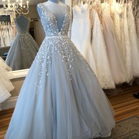 Light Blue Wedding Dress, Blue Wedding Gowns, Grey Prom Dress, Blue Ball Gowns, Ball Gowns Prom, Formal Dresses For Weddings, Cute Prom Dresses, Wedding Dress Sizes, Backless Prom Dresses
