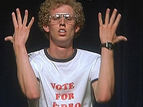 Can you believe it's been 10 years since Napoleon Dynamite won us over with his mad skills? Epic Fail Pictures, Funny Pictures, Reaction Pictures, Movies Showing, Movies And Tv Shows, Aries, Minion S, Napoleon Dynamite, Kos