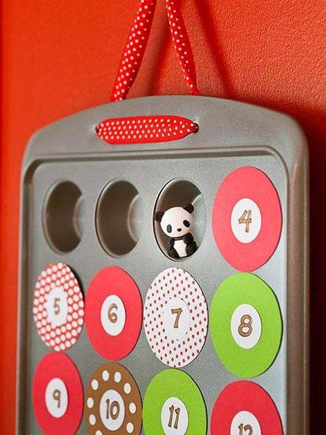 Verwandeln Sie eine Muffinform in einen Adventskalender! Ein kleines Geschenk in jede Form, schönen Deckel drauf und fertig!
