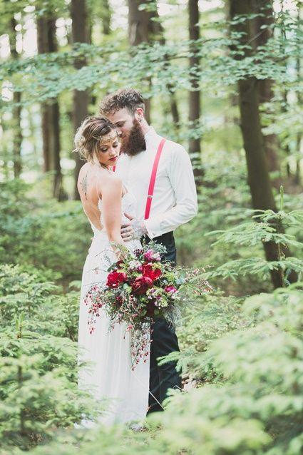 Heiraten Im Wald In Nrw So Gelingt Dir Eine Unvergessliche Waldhochzeit Hochzeit Wald Hochzeit Kirchliche Hochzeit