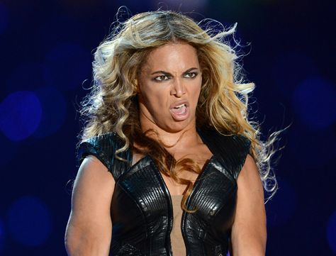 10 celebrities pulling funny faces