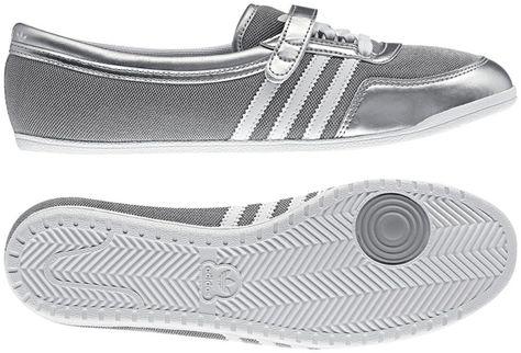 adidas Concord Round W Kadın Gümüş Gri Babet (Q20664