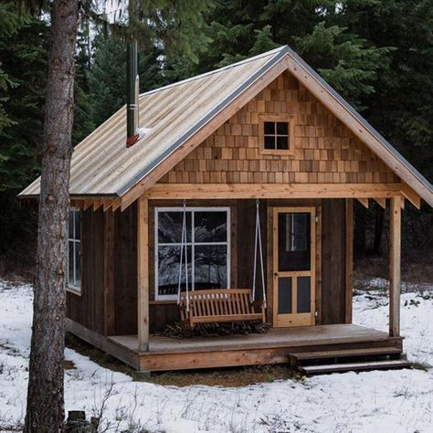 I Would Rather Be Amongst Forest Animals And The Sounds Of Nature Than Amongst City Traffic And The Noise Of Small Log Cabin Tiny House Cabin Log Cabin Homes