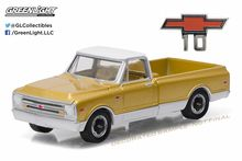 Greenlight 1:64 Anniversary Collection Series 3 1968 Chevrolet C10