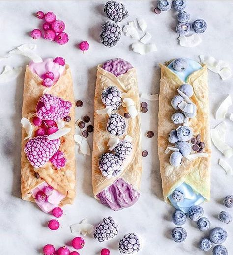 Berry Crepes Print Author: @isiaaak Ingredients Crepes: - 1 cup of vanilla soya milk 1 and ⅓ cup of oat flour 1 cup of water additionally some xylitol Mixed all together and let the batter sit for 15 minutes, then cook the crepes in a pan with a little oil.