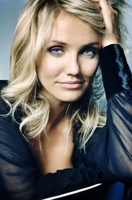 Cameron Diaz rocking a natural look and gorgeous as ever. Those