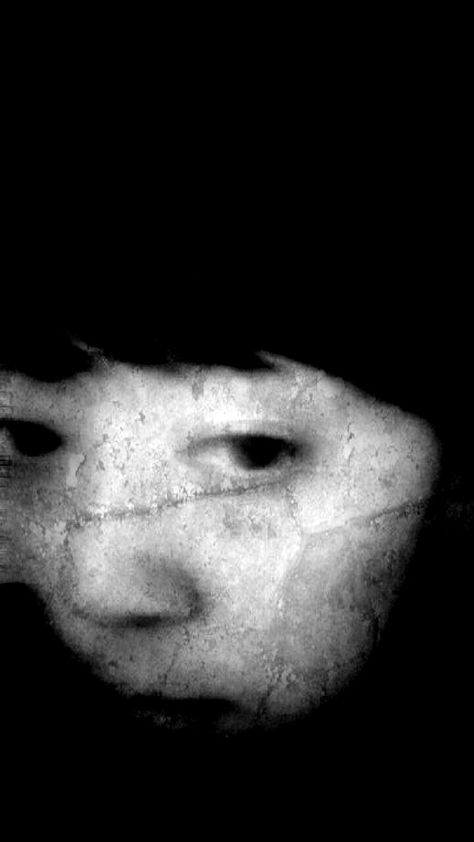 "jiji-de-jiji: "" Self portrait © jiji """