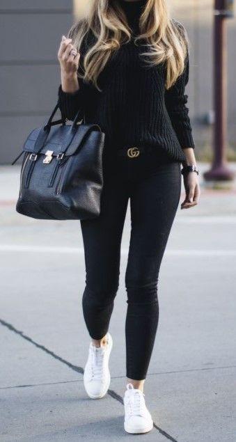 Looks estilosos com legging preta Legging preta suéter preto e tênis branco. looks estilosos looks femininos moda feminina looks dia a dia The post Looks estilosos com legging preta appeared first on Zahn Gesundheit.