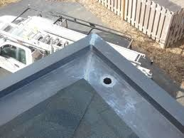 Yankee Gutter Aka Built In Gutters Box Gutters Concealed Roof Drainage System Mock Up Recalling Vernacular Construction Concep Box Gutter Fixer Upper Gutter