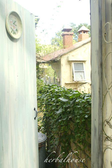 最も検索された ドア の 向こう イラスト画像 無料 イラスト