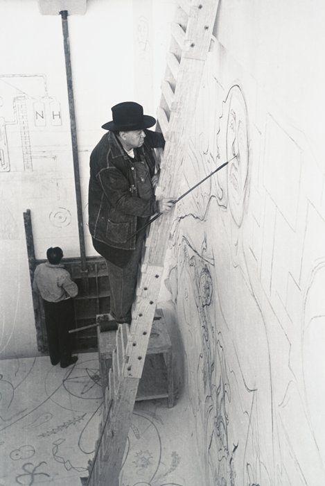 SFMOMA   Explore Modern Art   Our Collection   Manuel Álvarez Bravo   Diego Rivera Painting Mural