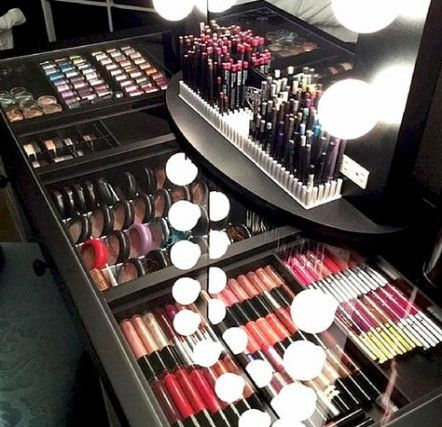 Pin By Queen Rosetta On My Huge Makeup Sets Makeup Storage Makeup Collection Goals Makeup Rooms