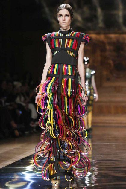 Oscar Carvallo Haute Couture Spring Summer 2014 Paris - NOWFASHION