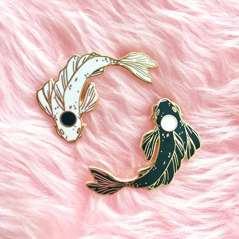 This listing is for the hard enamel YinYang Koi set!Add a little balance to your life with these Yin-Yang Kois!Perfectly fitted together, they will love to Jacket Pins, Victorian Dollhouse, Cool Pins, Pin And Patches, Dark Fashion, Latex Fashion, Baby Outfits, Pin Badges, Lapel Pins