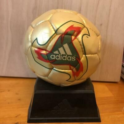 Adidas Fevernova 2002 Fifa World Cup Replica Ball Football Soccer With Pedestal Ebay Soccer Fifa World Cup Football Soccer